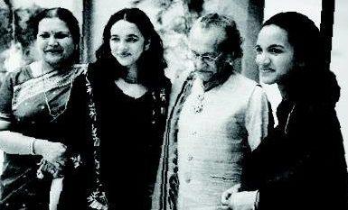 ravi-shankarsukanya-shankarnorah-jones-and-anoushka-shankar